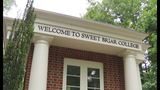 Sweet Briar College placed on 1-year warning for finances