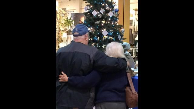 2015-love-light-tree-2_322915