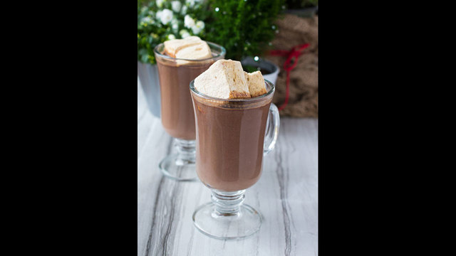 Gingerbread Hot Chocolate_190218