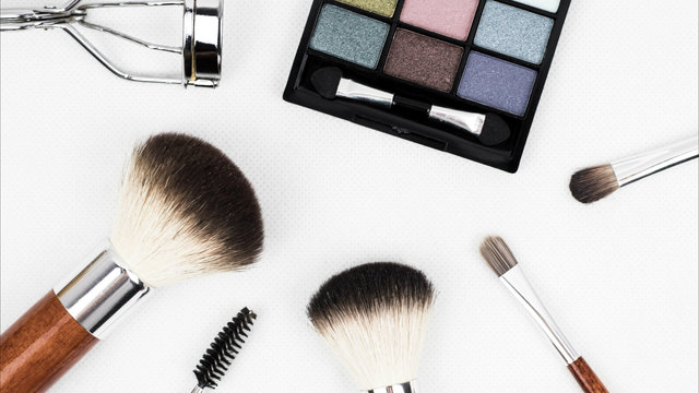 CBD makeup: Benefits and safety factors