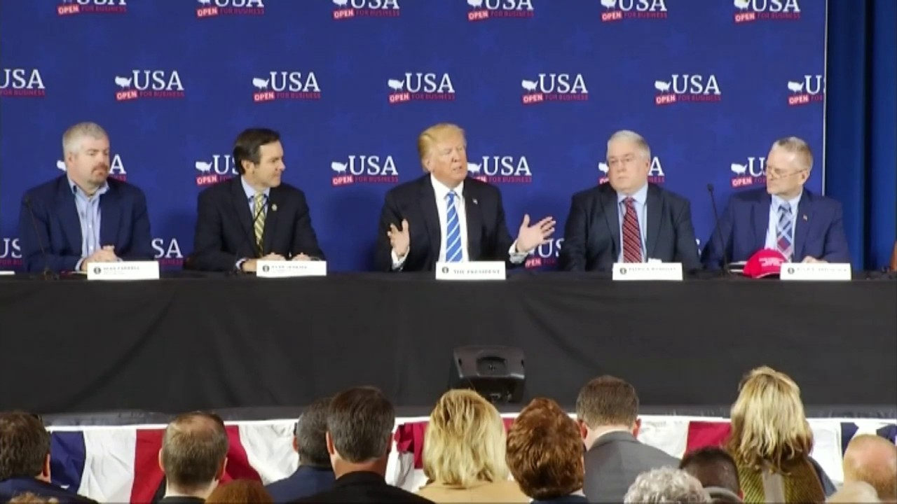 Trump Round Table.President Trump Attends Roundtable Discussion In West Virginia