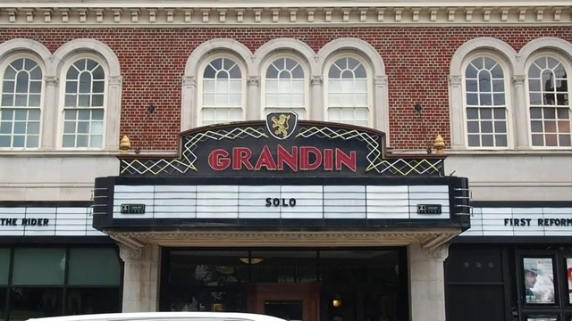 Grandin Theatre launches campaign to get new seats