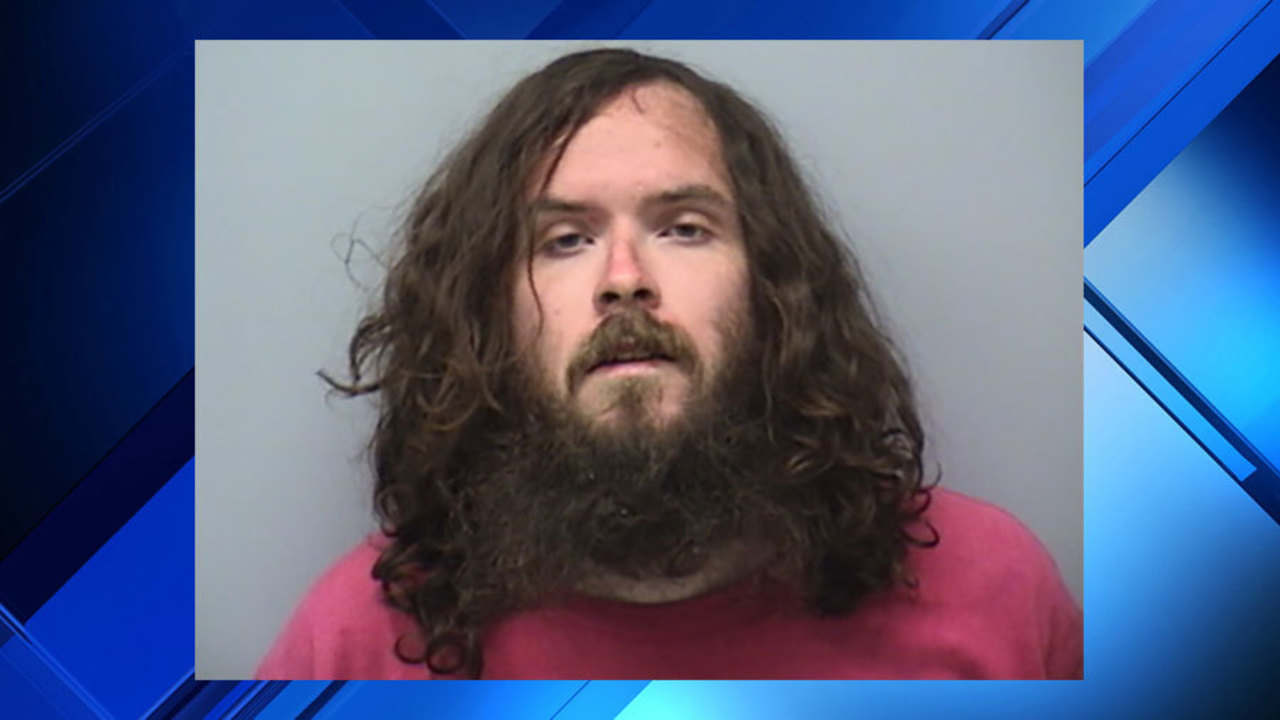 Roanoke man charged, arrested after stabbings outside Blue