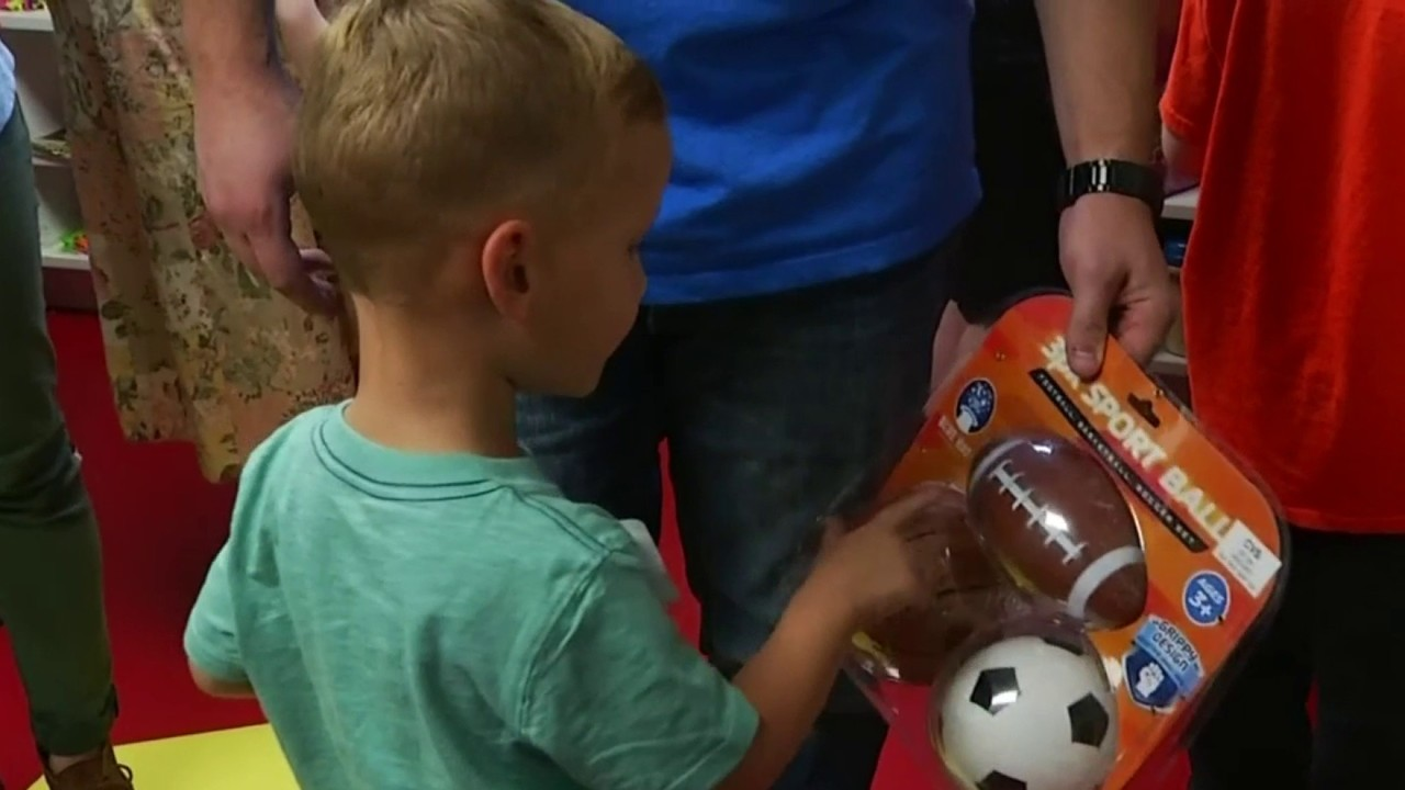 Roanoke S Ronald Mcdonald House Opens Magic Room To Provide
