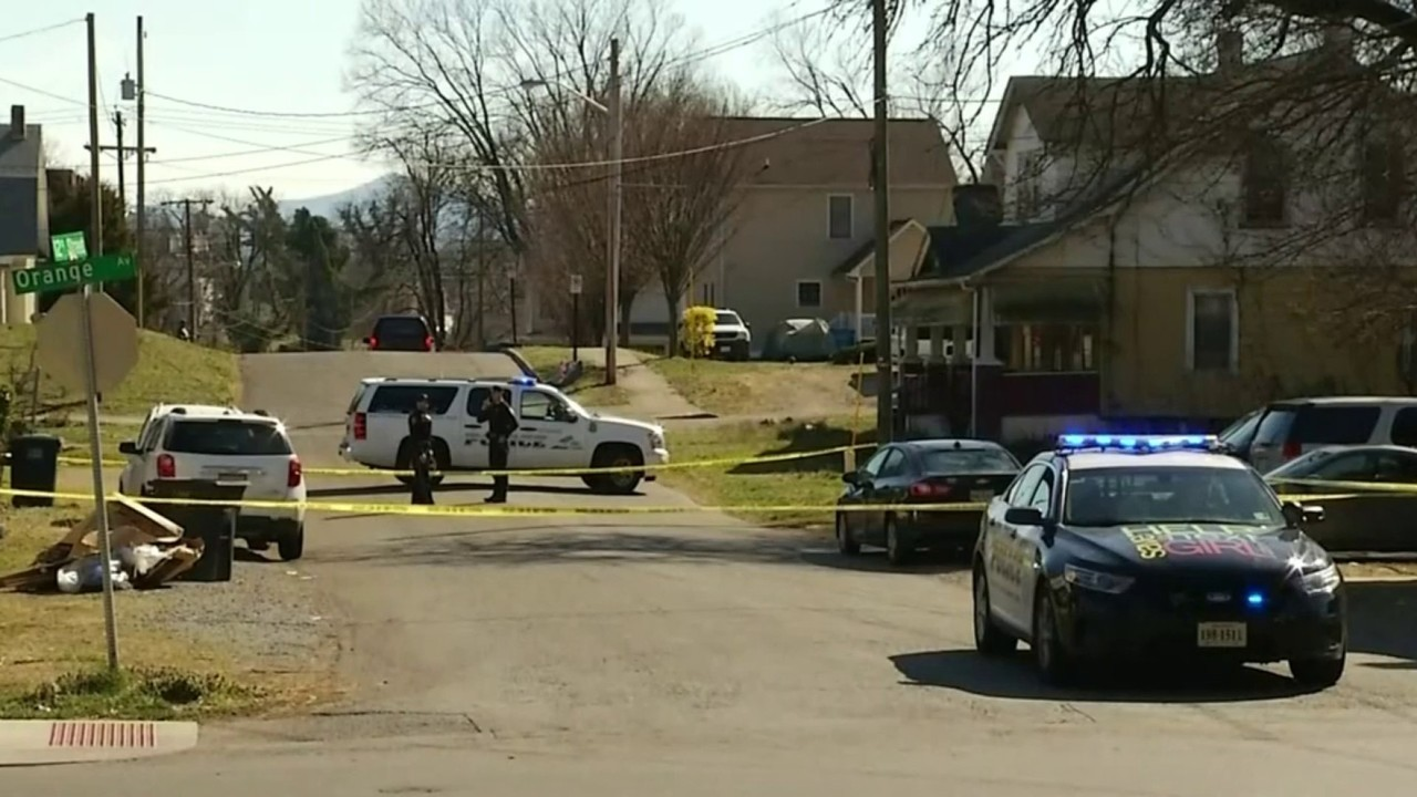 Roanoke officer shoots at car after seeing gun pointed at