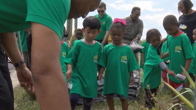 Danville city officials join with kids to Make Danville Shine