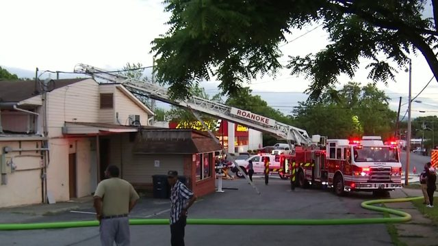 Cause of fire at northwest Roanoke laundromat under investigation