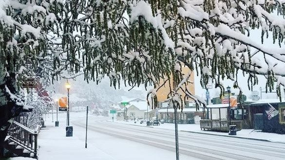 Parts of South Dakota receive more than a foot of snow...in late May
