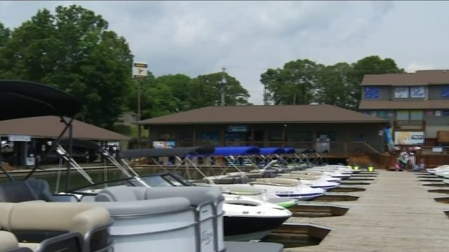 Smith Mountain Lake preps for busy holiday weekend