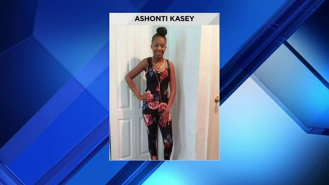Police searching for 17-year-old girl last seen going to school