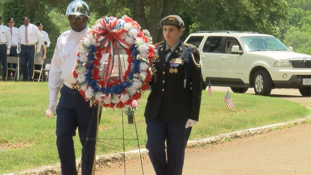 Dozens attend Memorial Day ceremony in Martinsville