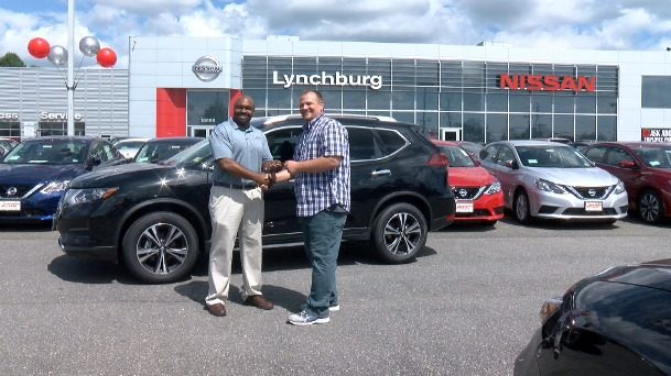 Lynchburg teacher of the year picks out new car