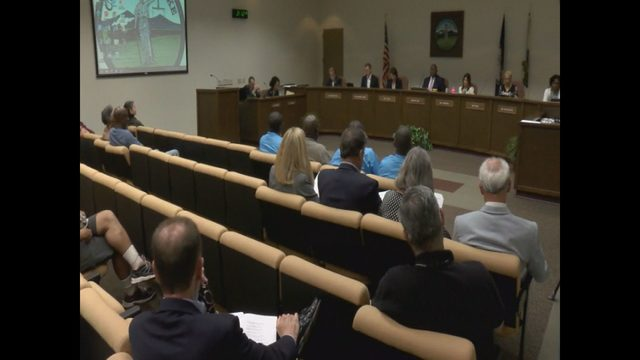 Roanoke City Council members address school zone speed limits, gun…