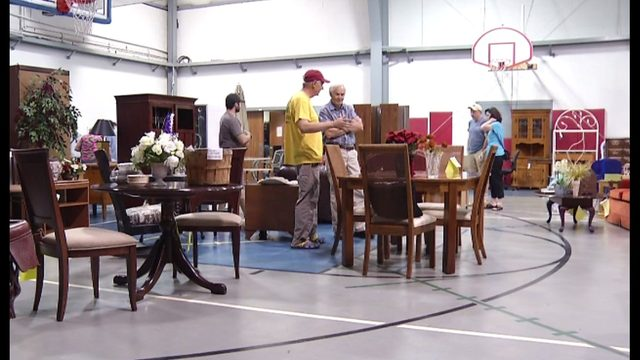 Local pop-up flea market helping families in need across world