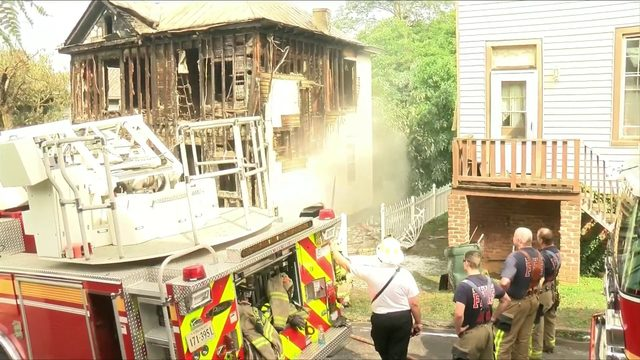 Lynchburg house fire spreads to other homes, cars