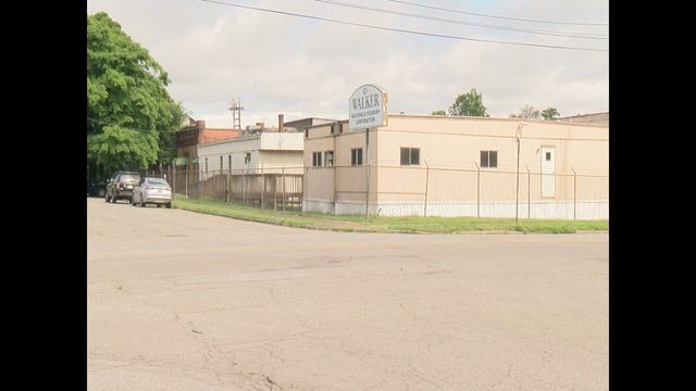 Roanoke foundry sues city