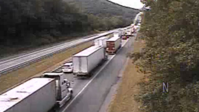 I-81 tractor-trailer crash causing delays in Botetourt County