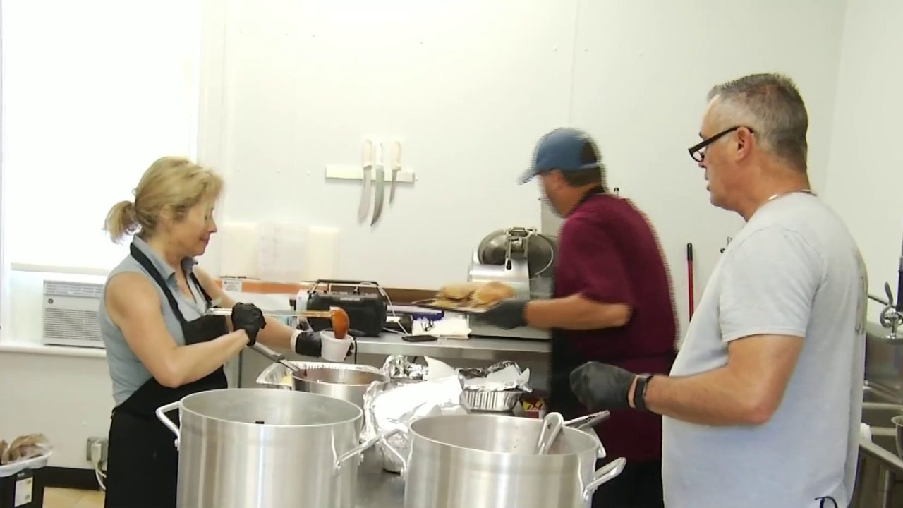 Former pro baseball player opens BBQ restaurant in Grandin Village