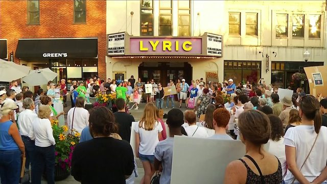 "Hundreds turn out for ""Lights for Liberty"" rally in Blacksburg"
