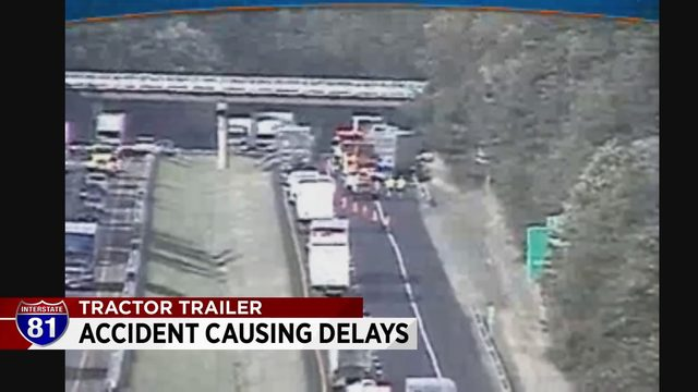 81 accident causing delays