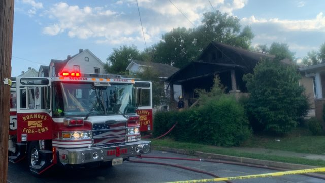 Crews respond to house fire in downtown Roanoke on Sunday evening