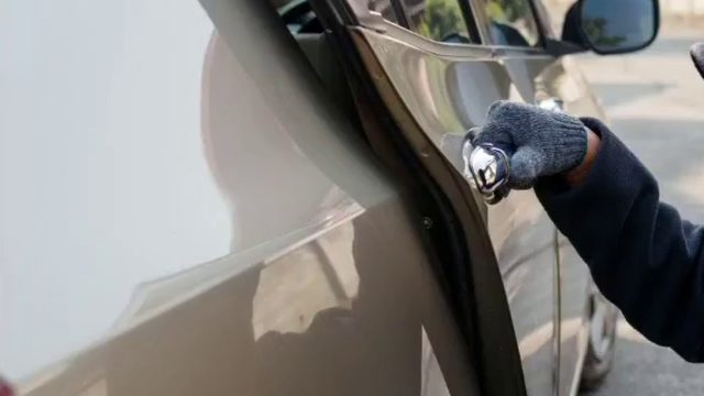 Roanoke County officers remind residents to lock car doors