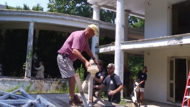 Black Dog Salvage filming collection of items at historic Cascades Inn…