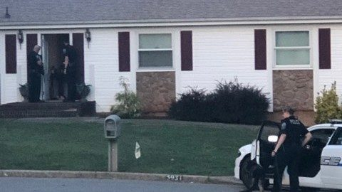 Armed teen surrenders to police in Roanoke County