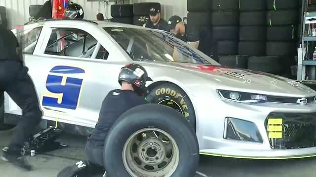 Hendrick Motorsports recruiting high level athletes for their pit crew