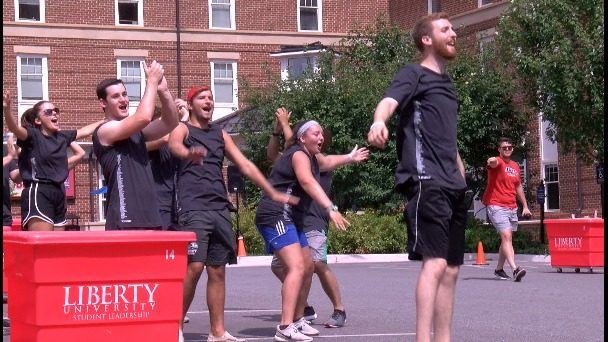 New incoming Liberty University students move in