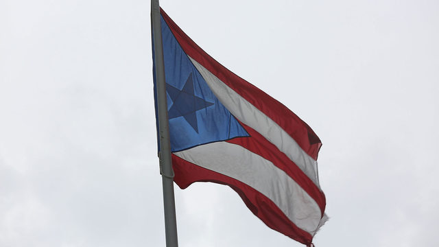 Home association tells Army vet to remove Puerto Rican flag