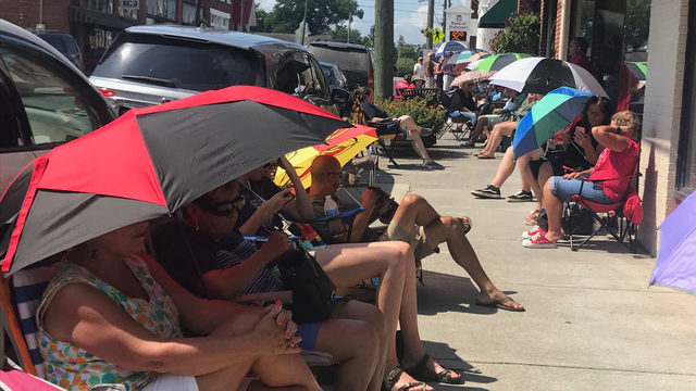 Dozens waiting for Nashville Night tickets as Old Dominion frontman returns home