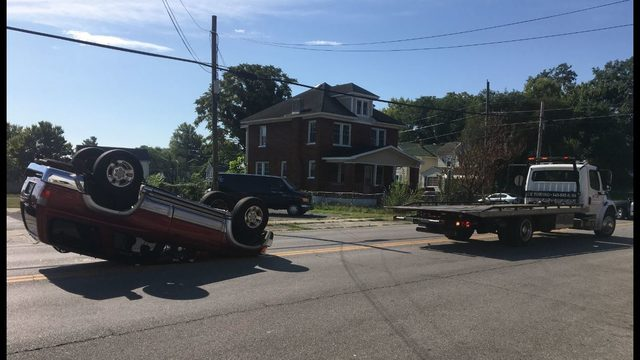 Roanoke crash leaves car overturned