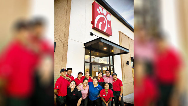 Odessa Chick-fil-A restaurants make 500 sandwiches to feed first…