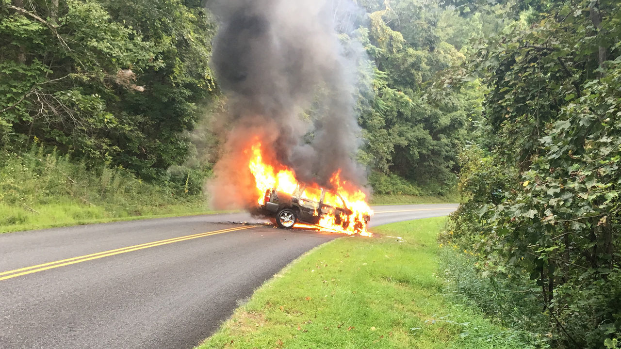Carilion Clinic VP, wife involved in Blue Ridge Parkway crash