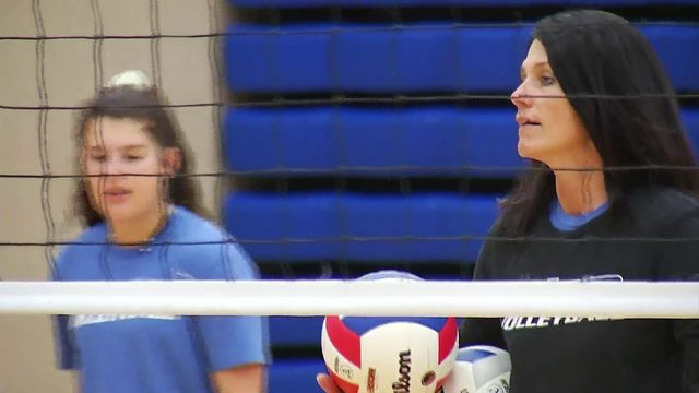 Auburn volleyball coaching legend back for 2019