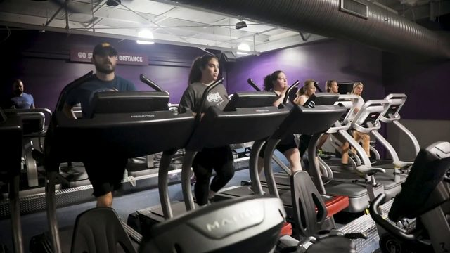 Try a fitness class at Crunch Fitness in Roanoke