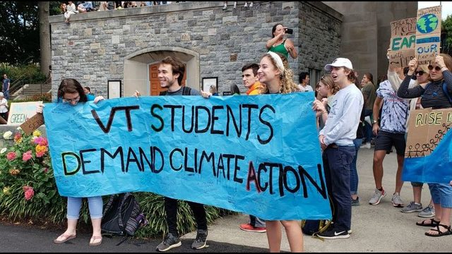 Hundreds come to climate change demonstration at Virginia Tech
