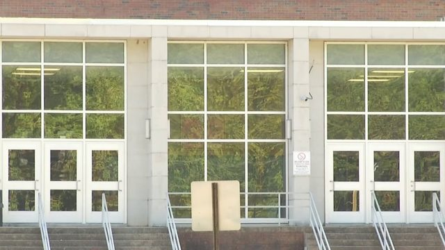 Small number of students at Henry County school report symptoms of…
