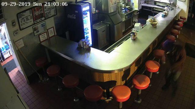 Lynchburg police investigating Texas Inn burglary by man in purple ski mask