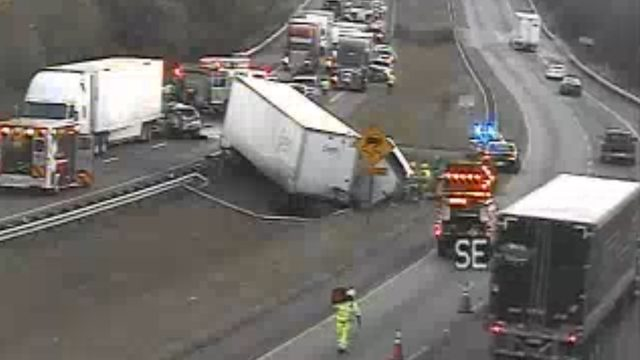 Charges pending after tractor-trailer crash kills two on I-81 in Roanoke County