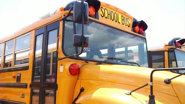 Roanoke school parents demand answers, bus provider admits mistakes in…