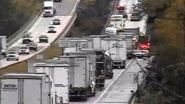 Tractor-trailer crash closed all northbound I-81 lanes in Botetourt County