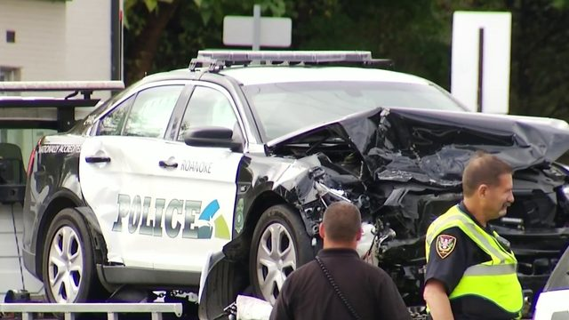 Roanoke police cruiser involved in crash while responding to…