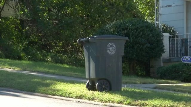Lynchburg deals with delays on new trash carts