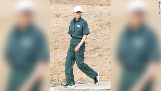 New photo shows Felicity Huffman in a prison uniform as she serves 13…