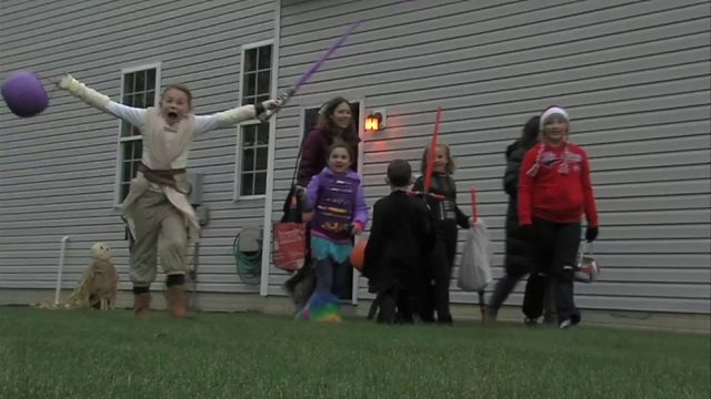 Roanoke Police Department passes along safety tips ahead of Halloween