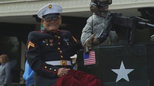 Roanoke Valley's veterans honored with parade, wreath laying